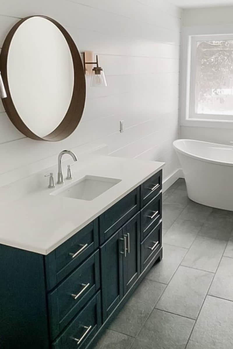800x1200 Bathroom 2